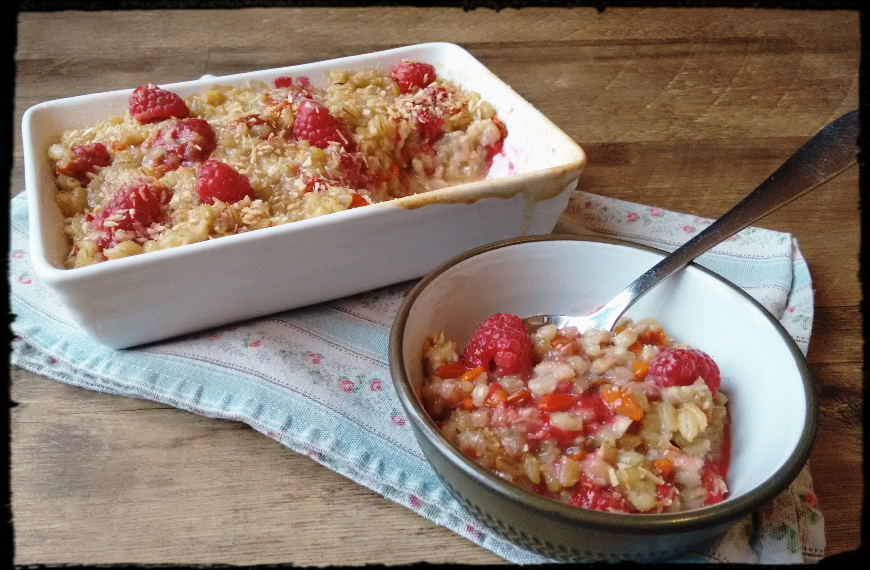 Pearl barley pudding with coconut and rapberries