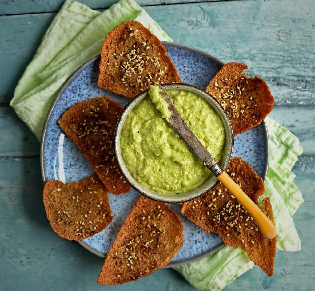 Broad Bean Hummus with Za'atar and Sesame Crackers