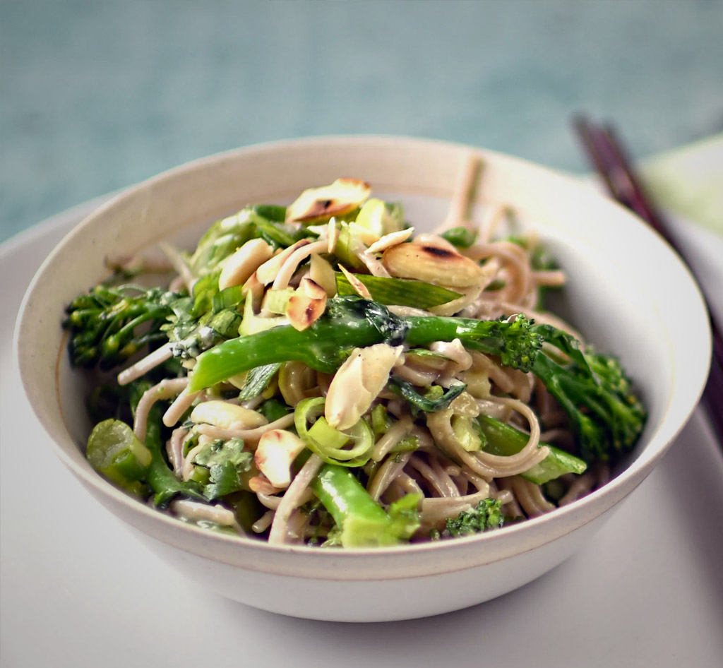 Buckwheat noodle salad with  broccoli and almond