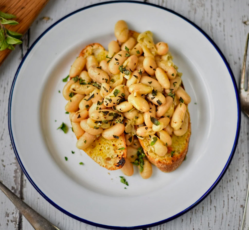 Cannellini Beans with Oregano & Garlic